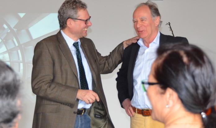 Johannes Collini, Firmenchef des Industrie- und Exportbetriebes Collini GmbH in Hohenems, beim Rundgang mit einer Abordnung der Grünen Wirtschaft Vorarlberg
