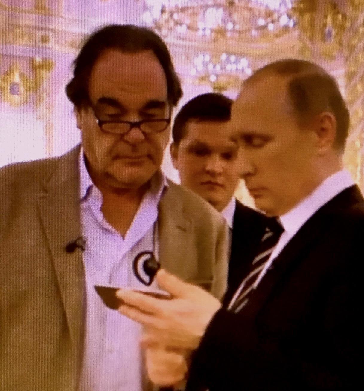 """Wladimir Putin zu Oliver Stone: """"Nur Gott kennt unser Schicksal. Es wird jeden von uns ereilen. Die Frage wird sein, was wir bis dahin in dieser vergänglichen Welt vollbracht haben."""" (""""The Putin Interviews"""", Oliver Stone), www.progression.at"""