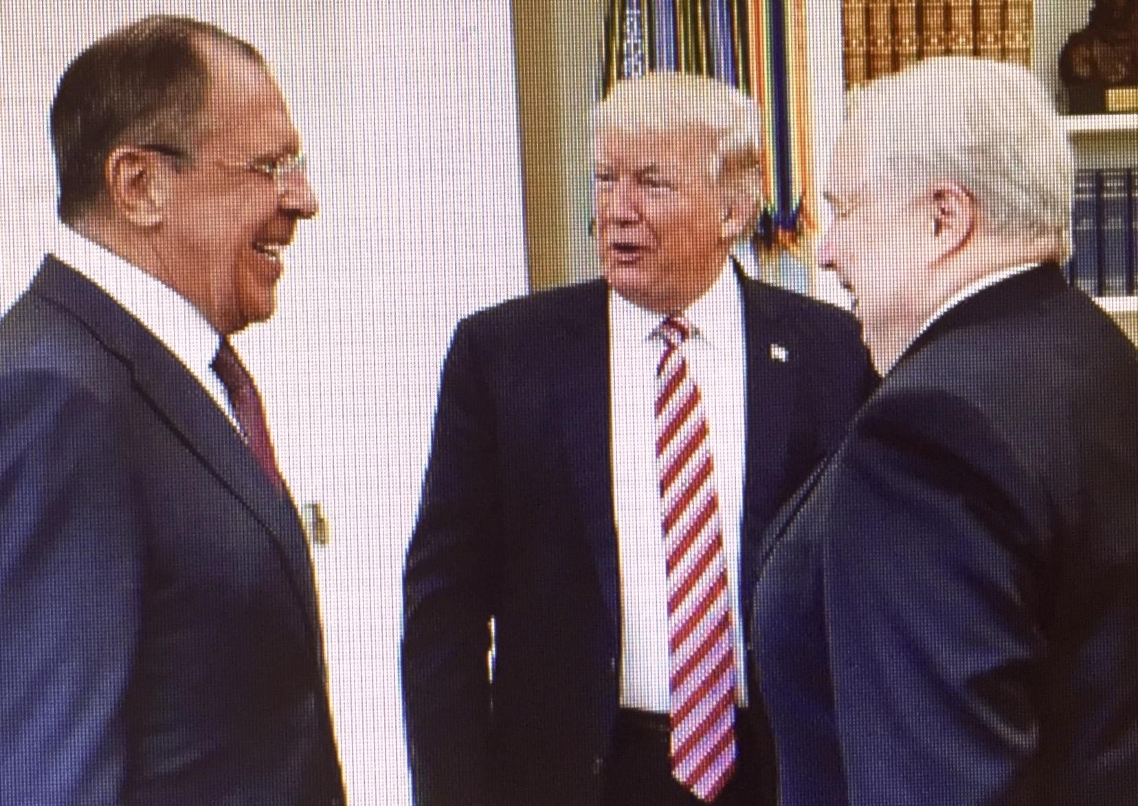 Sergej Lawrow trifft Donald Trump in Washington während sich Wladimir Putin in Moskau für den Frieden ausspricht