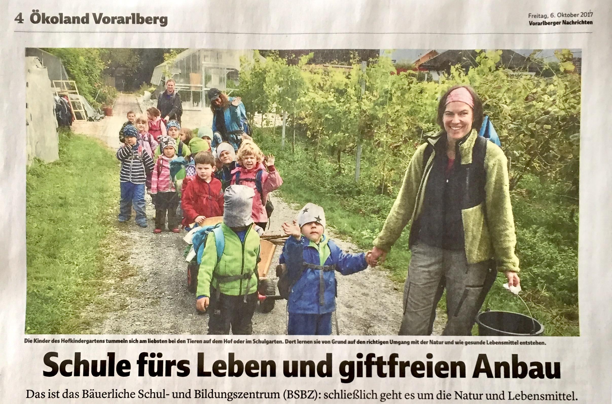 Der Lehrbetrieb Rheinhof des Bäuerlichen Schul- und Bildungszentrums (BSBZ) in Hohenems wurde 2017 mit dem Vorarlberger Tierschutzpreis ausgezeichnet - schon die Kinder des Hofkindergartens lernen von Anfang an den gefühlvollen Umgang mit Tieren und lernen, wo unsere Lebensmittel herkommen