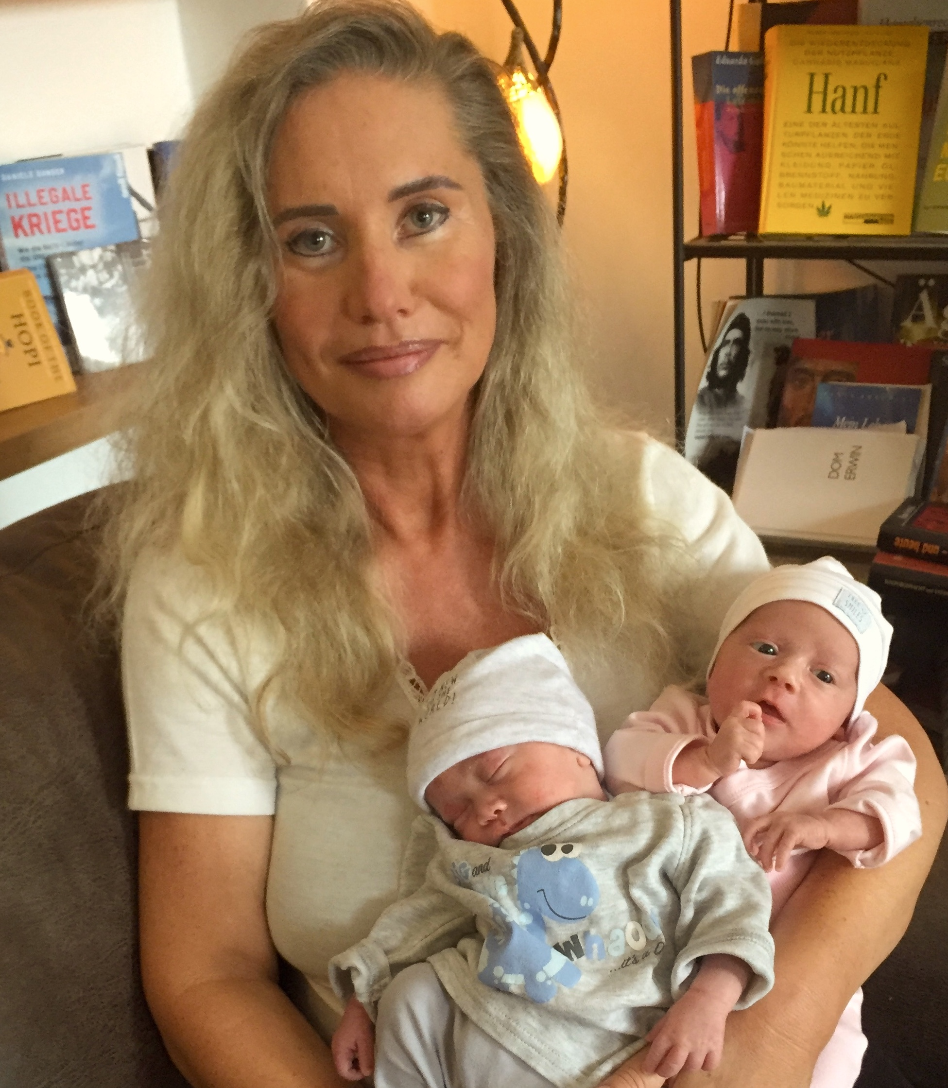 "Journalist/author, environmental and human rights activist Verena Susanne Daum with her new born twins Shania Jolene and Noah Balian, www.progression.at, Garden Eden Organisation, books: ""Verantwortungslos - Zivilcourage für ein Ende des Kriegs gegen die Menschlichkeit"" (2015) and ""Dom Erwin"" (2006)"